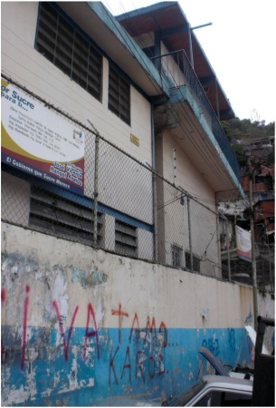 Francisco Espejo School in Caracas before Construyendo Futuros rebuilt it.