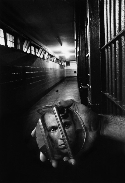A prisoner in solitary confinement. Alabama, 1979, by Sean Kernan. Image courtesy of seankernan.com.